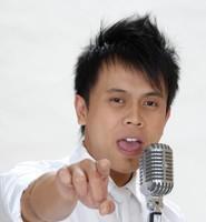 HATI-HATI ARIEL: Andi mengaku tertarik menjadi vokalis Peterpan